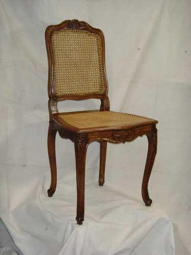 restauration de meubles atelier bence restauration de fauteuils et chaises. Black Bedroom Furniture Sets. Home Design Ideas