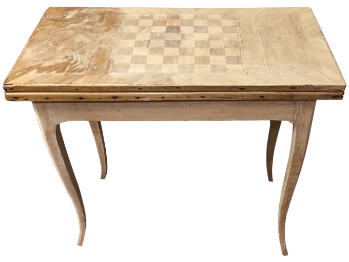 Avant restauration. Table à jeux d'époque Louis XV
